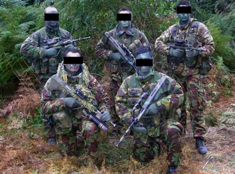 army recon scout long range recon patrol new zealand lrs recon scout