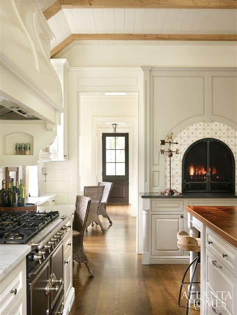 kitchen fireplace ideas 84 best ideas about kitchen fireplaces on