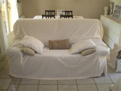 recouvrir un canapé en cuir nouvelle housse de canapé atelier scaramouche