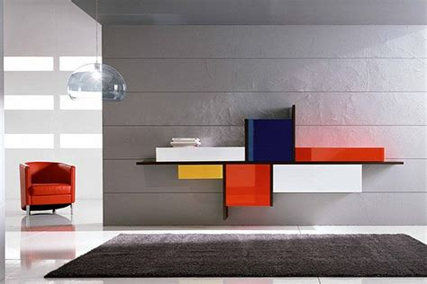De Stijl Style And Primary Colours