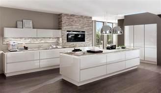 küche weiß hochglanz design einbauküche norina 9555 weiss hochglanz lack küchen quelle