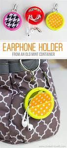 Make an EARPHONE HOLDER ( from a mint container)