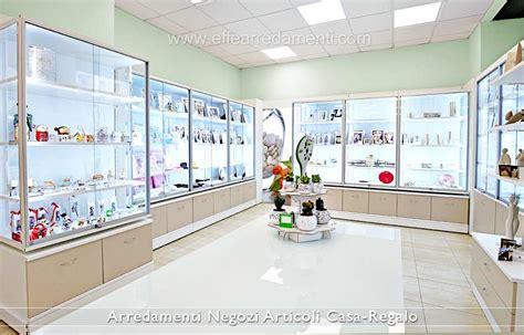 arredamenti per negozio arredamenti per negozi articoli da regalo effe arredamenti