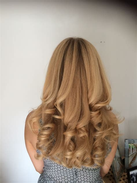 Ghd Curls Hairstyles by Gorgous Hair Cut And Curly Blowdry This Hair Is To