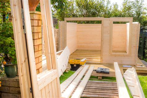 Gartenhaus Aufstellen » Daran Sollten Sie Bei Der Montage
