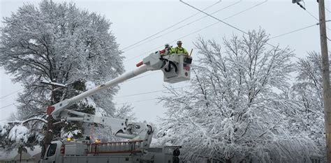 Kansas City weather: Power out after winter storm snow