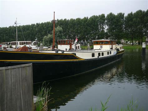 Small Boats For Sale In Portugal by Boats For Sale Uk Boats For Sale Used Boat Sales Barges