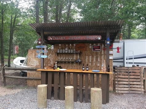 Build A Tiki Bar by Outdoor Tiki Bar Made With Repurposed Pallets Cool Ideas