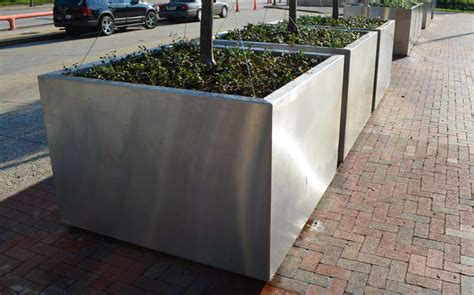 Authorized & Best Quality Garden Stainless Steel Planters