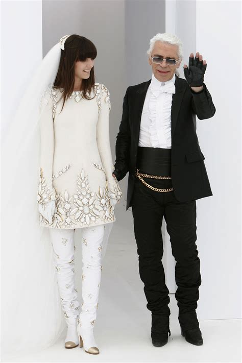 A First Look at Karl Lagerfeld's New Engagement Ring ...