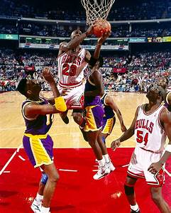 FlashbackFriday: Michael Jordan Switches Hands in Mid-air ...