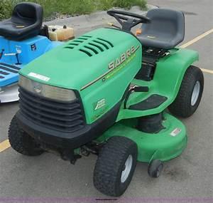 John Deere 1742 Sabre Lawn Mower