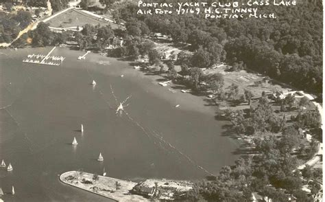 Pontiac Yacht Club Aerial Photo €� Greater West Bloomfield