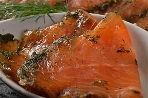 Graved Lachs Sauce : rezept graved lachs mit kartoffelgratin fischrezepte blockhaus fischr ucherei r ucherlachs ~ Markanthonyermac.com Haus und Dekorationen