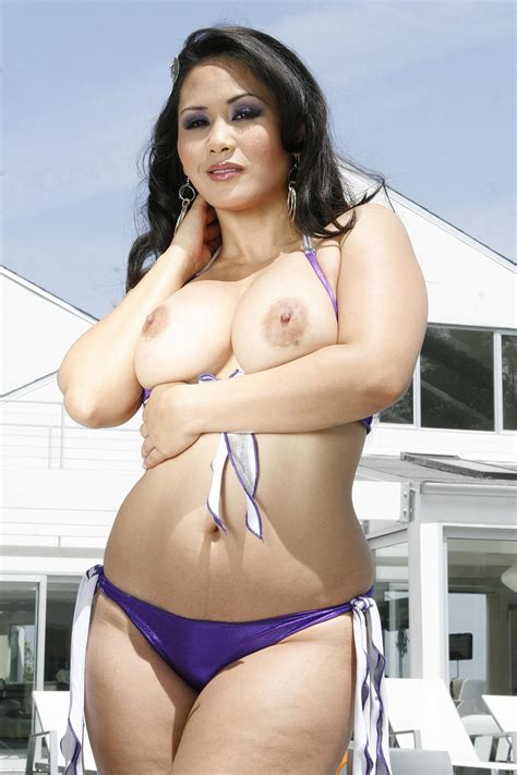 Thick Asian Babe Jessica Bangcock Shouts In Joy As Her