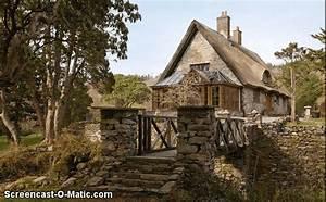 Haus Kaufen In Irland : 11 real life disney princess homes you can rent ~ Lizthompson.info Haus und Dekorationen