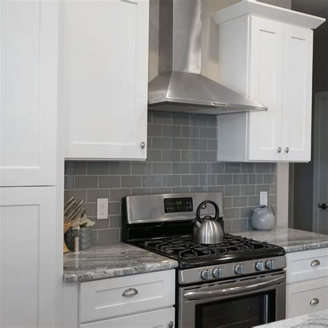 White Shaker Kitchen Cabinets With Soft Close Doors