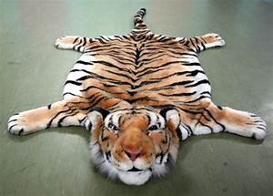tiger rug with head Roselawnlutheran