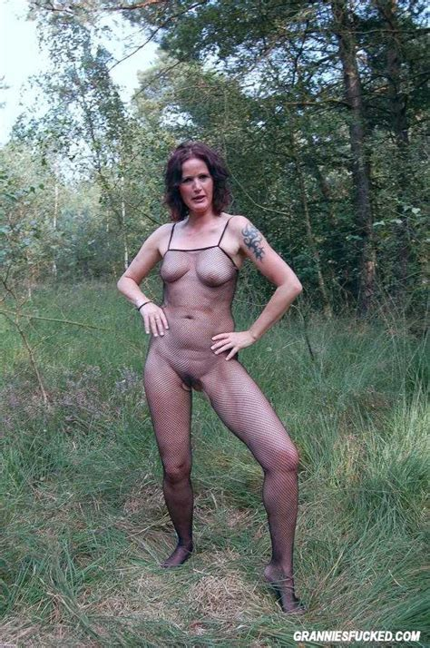 Milf Goes Wild In Nature