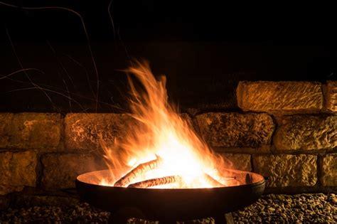 Wie Heiß Wird Ein Lagerfeuer by Lagerfeuer Im Garten Rechte Und Pflichten F 252 R Gartenfreunde