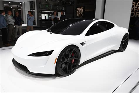 Tesla Car : Tesla Roadster Makes Debut On European Soil