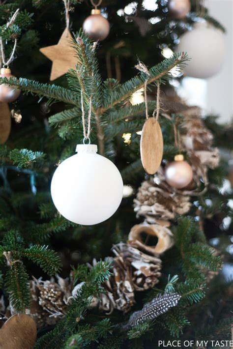 neutral christmas tree decoration so pretty