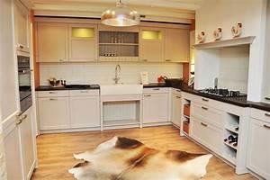 Küche Auf Vinylboden Stellen : k chen b der und schreinerei aus der region danuser ag herisau ~ Markanthonyermac.com Haus und Dekorationen
