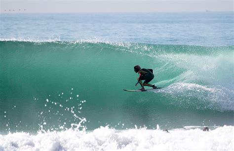 Beginners Surf School And Yoga