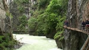 Aareschlucht (Switzerland / der Schweiz) - YouTube