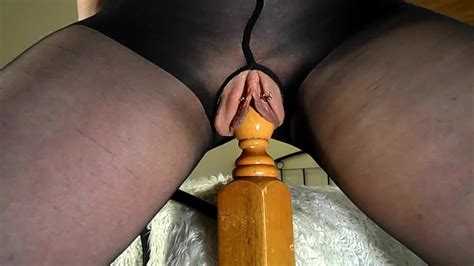 Amateur MILF Rides Her Bedpost Multiple Squirting