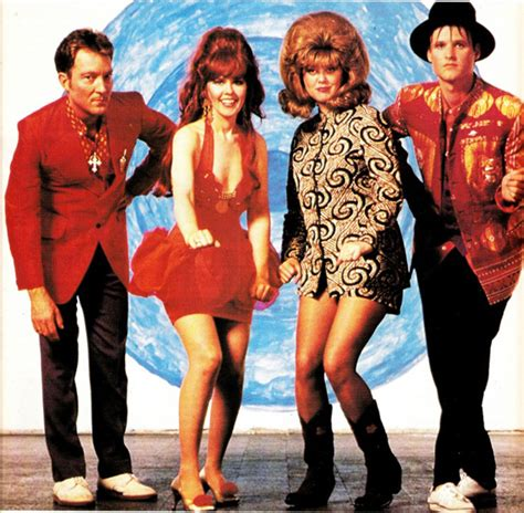"""KATE PIERSON """"Guitars And Microphones"""" (Lazy Meadow Music ..."""