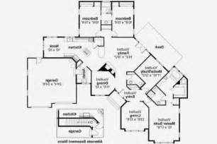 house plans two master suites ranch house plan with 2 master suites lifestyle home design