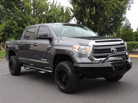 toyota tundra trd pro   lifted lifted