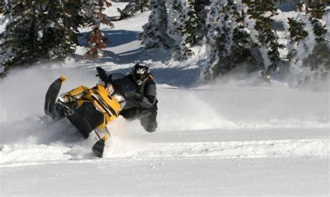 snowmobile extravaganza yellowstone national park