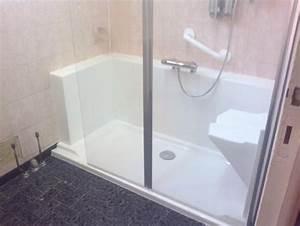 Aide Pour Amenagement Salle De Bain Personne Agée : am nagemer une salle de bain pour personnes agees easy ~ Melissatoandfro.com Idées de Décoration
