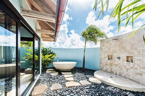 amazing outdoor bathroom ideas