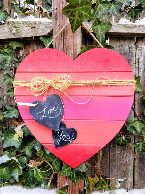 spray paint diy wood heart craft