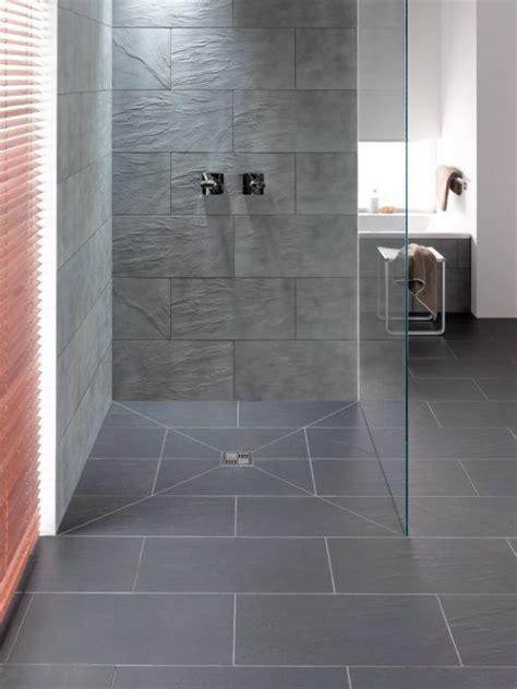 Kleines Bad Mit Dusche Fliesen by Bodenebene Duschsysteme Badezimmer Dusche Fliesen