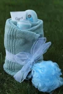 towel twist diy gift idea diy gifts easy gifts