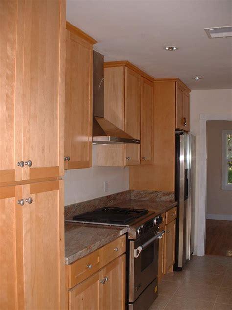 maple shaker kitchen cabinets 8mapleshaker 7357