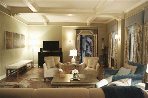 decorate  living room  olivia pope