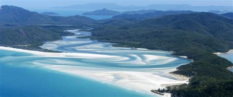 The Whitsunday Islands Travel Guide
