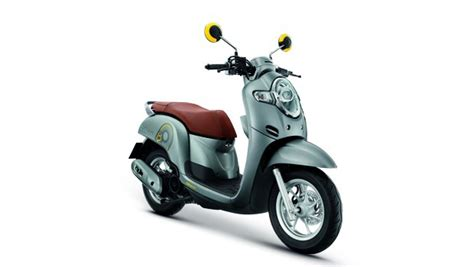 Scoopy 2018 Ungu by Scoopy Thailand 2018 Silver Warungasep
