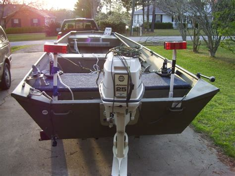 how to launch a 14 foot aluminum boat from a trailer