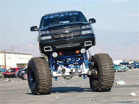 Best Floor For Lifted Trucks by I Would Want This Amazing Chevy To Go Out And Drive In