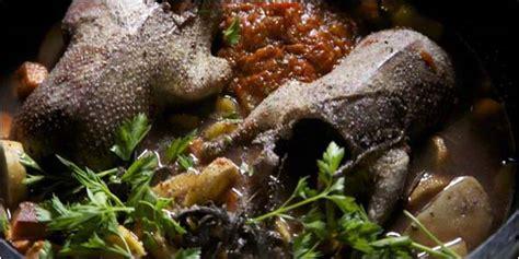 cuisiner avec une cocotte coquelet en cocotte en fonte la recette