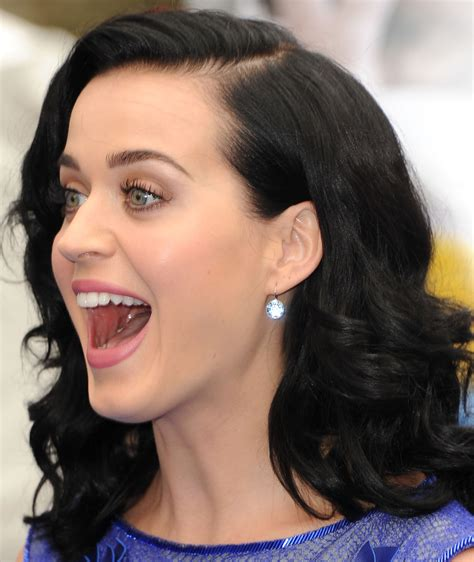 Katy Perry's 'roar' Will Outsell Lady Gaga's 'applause' In