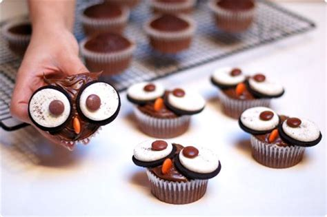 chocolate cupcakes decorating ideas halloween cupcake decorations spooky ideas with candy and frosting