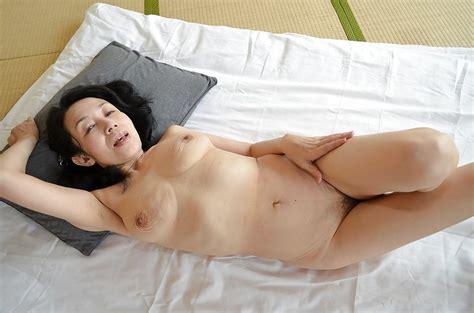 ugly asian mature lady tsuyako miyataka and her very hairy pussy