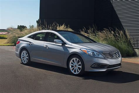 2017 Hyundai Azera Review by 2017 Hyundai Azera Review Trims Specs And Price Carbuzz